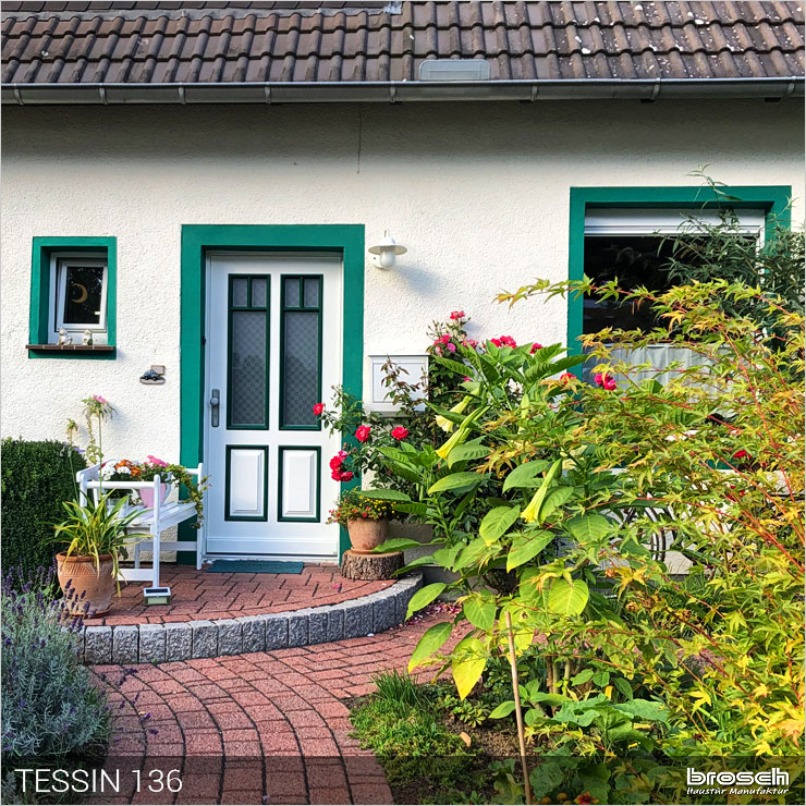 Besipielbild Haustür aus Holz
