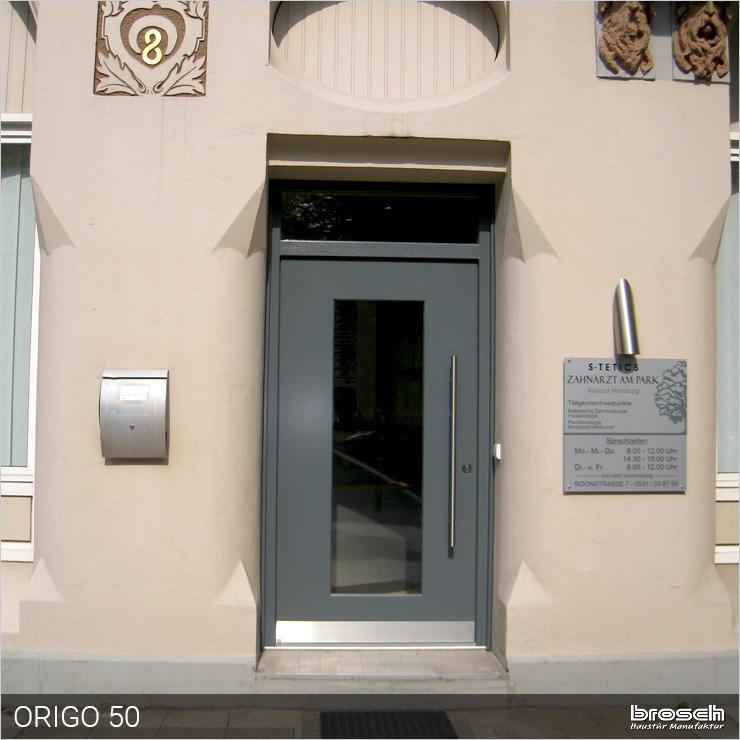 Haustür Origo50 Modell mit Oberlicht